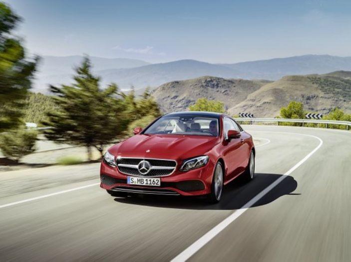 Mercedes Classe E Coupé 2017, la nostra prova tra due epoche - Foto 6 di 18