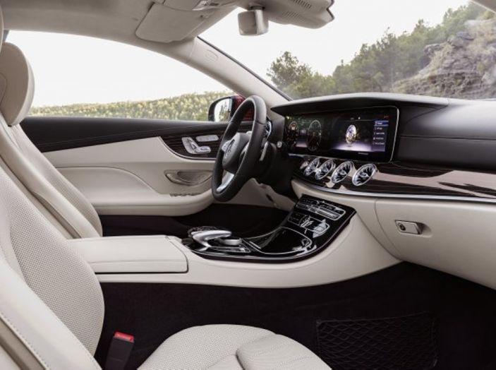 Mercedes Classe E Coupé 2017, la nostra prova tra due epoche - Foto 10 di 18