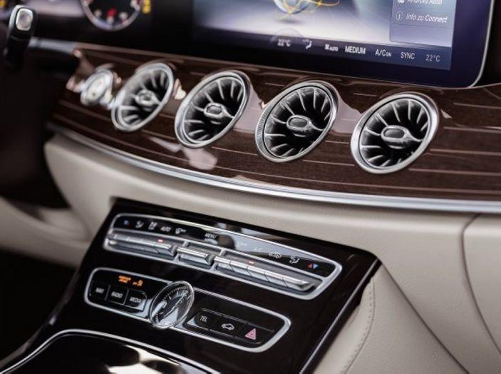 Mercedes Classe E Coupé 2017, la nostra prova tra due epoche - Foto 11 di 18