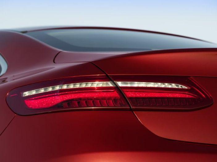 Mercedes Classe E Coupé 2017, la nostra prova tra due epoche - Foto 13 di 18