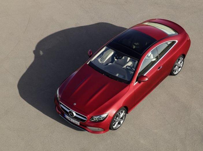 Mercedes Classe E Coupé 2017, la nostra prova tra due epoche - Foto 18 di 18