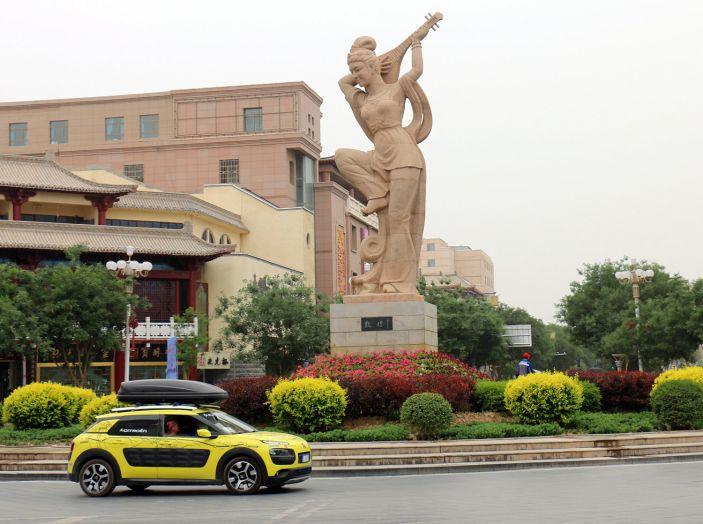 Citroën Avventura Gialla: la C4 Cactus arriva alla Muraglia Cinese - Foto 8 di 8