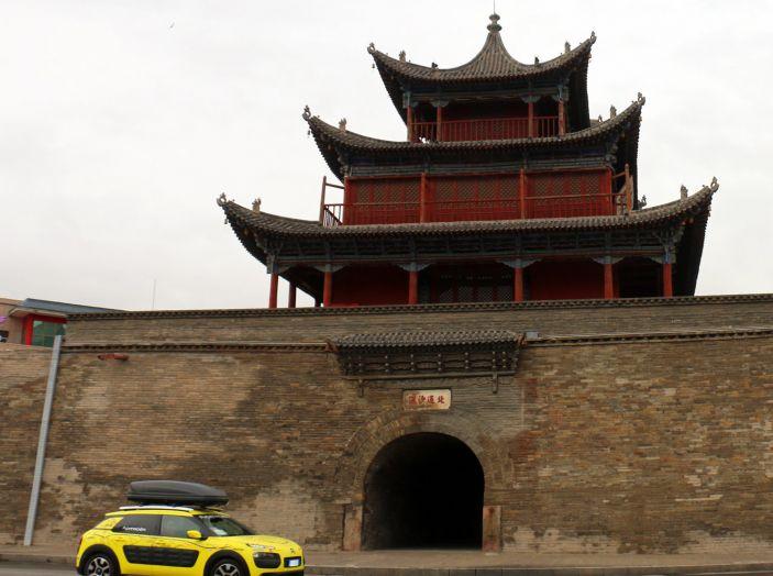 Citroën Avventura Gialla: la C4 Cactus arriva alla Muraglia Cinese - Foto 5 di 8