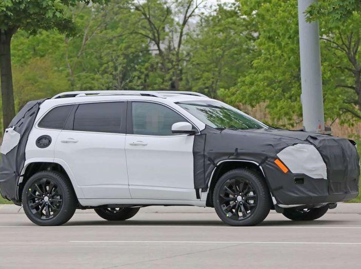 Jeep Cherokee restyling 2018: informazioni e gamma motori - Foto 3 di 21