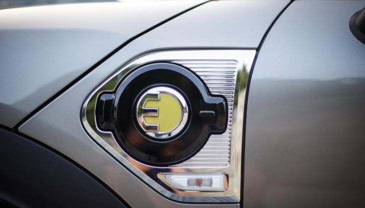 Prova su strada Mini Cooper S E Countryman All4, a voi l'ibrida Plug-In - Foto 23 di 35