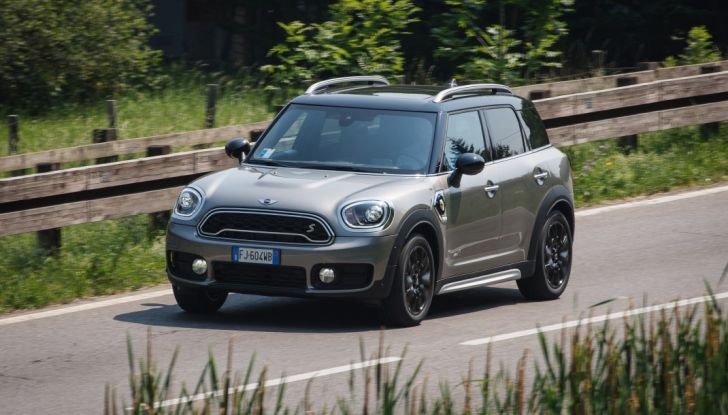 Prova su strada Mini Cooper S E Countryman All4, a voi l'ibrida Plug-In - Foto 31 di 35
