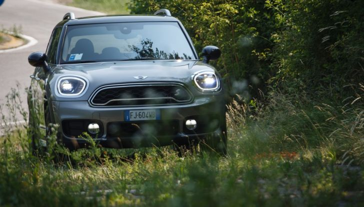 Prova su strada Mini Cooper S E Countryman All4, a voi l'ibrida Plug-In - Foto 32 di 35