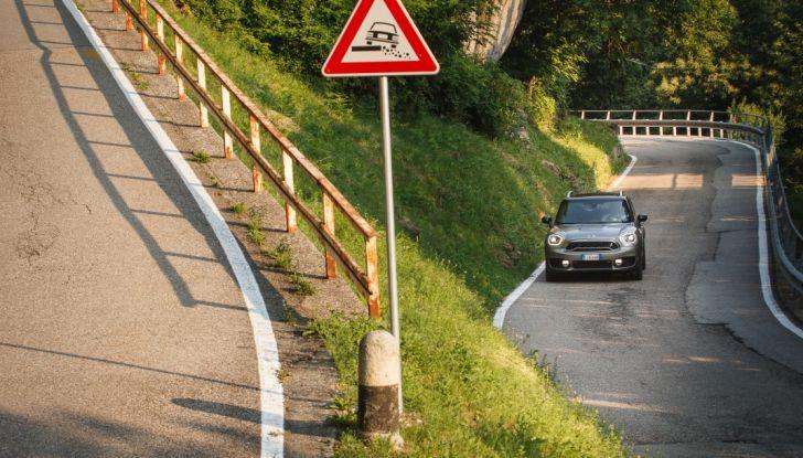 Prova su strada Mini Cooper S E Countryman All4, a voi l'ibrida Plug-In - Foto 33 di 35