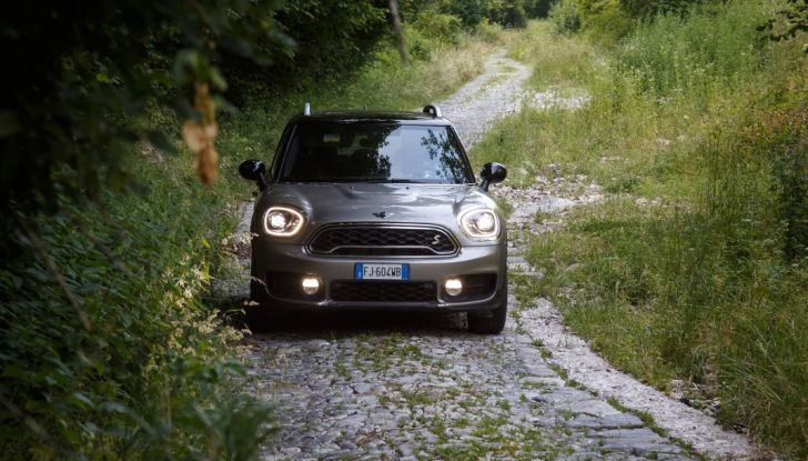 Prova su strada Mini Cooper S E Countryman All4, a voi l'ibrida Plug-In - Foto 34 di 35