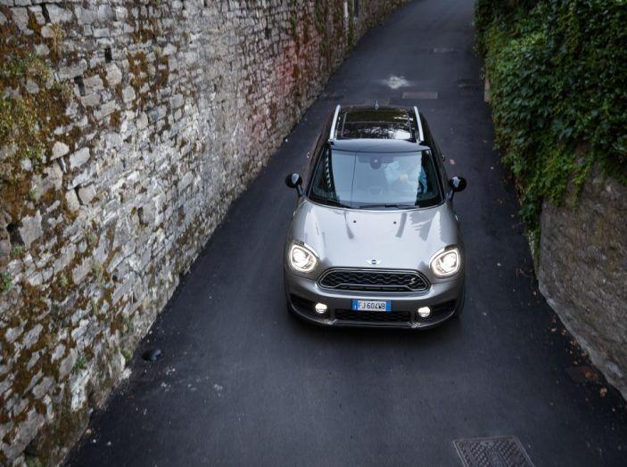 Prova su strada Mini Cooper S E Countryman All4, a voi l'ibrida Plug-In - Foto 4 di 35