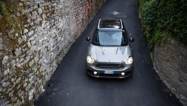 Prova su strada Mini Cooper S E Countryman All4, a voi l'ibrida Plug-In - Foto 4 di 35