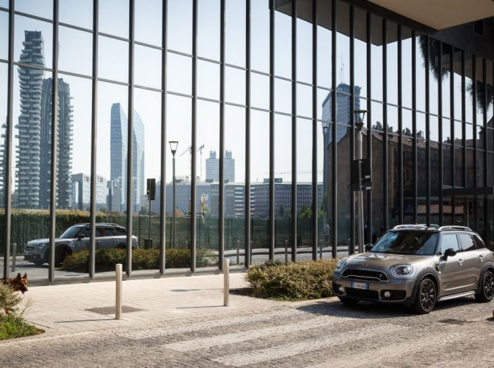 Prova su strada Mini Cooper S E Countryman All4, a voi l'ibrida Plug-In - Foto 7 di 35