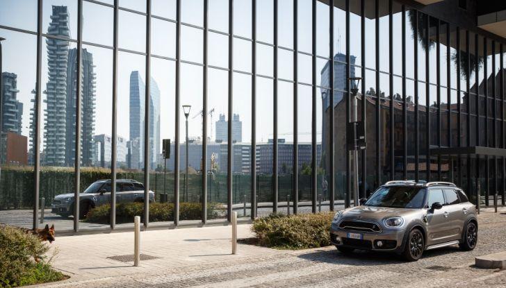 Prova su strada Mini Cooper S E Countryman All4, a voi l'ibrida Plug-In - Foto 7 di 35