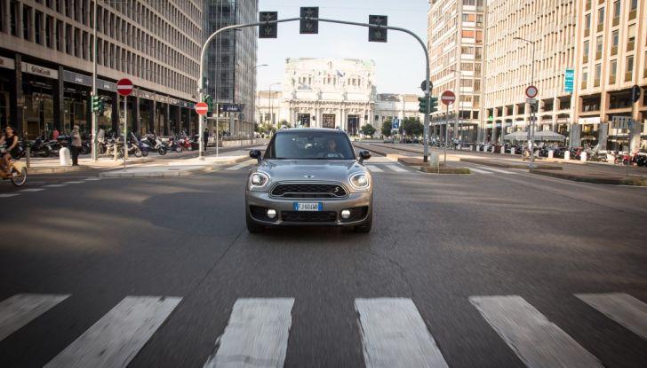 Prova su strada Mini Cooper S E Countryman All4, a voi l'ibrida Plug-In - Foto 8 di 35
