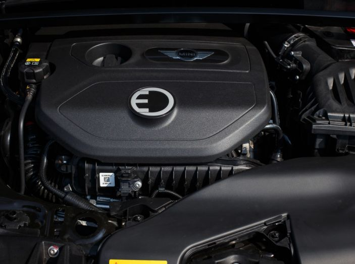Prova su strada Mini Cooper S E Countryman All4, a voi l'ibrida Plug-In - Foto 9 di 35