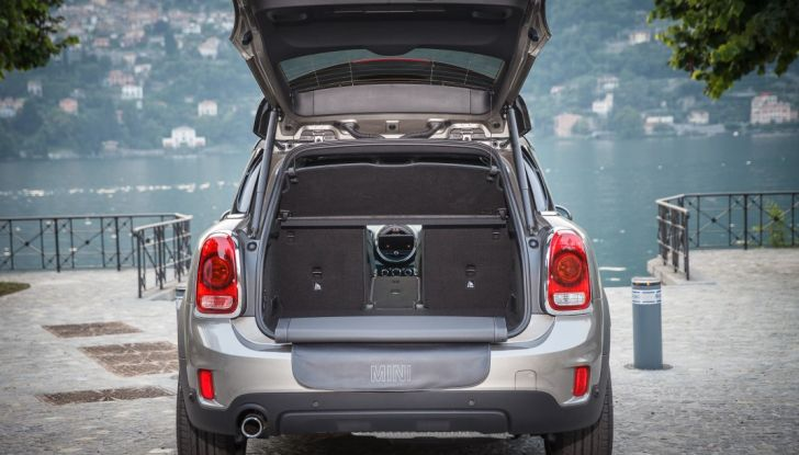 Prova su strada Mini Cooper S E Countryman All4, a voi l'ibrida Plug-In - Foto 10 di 35