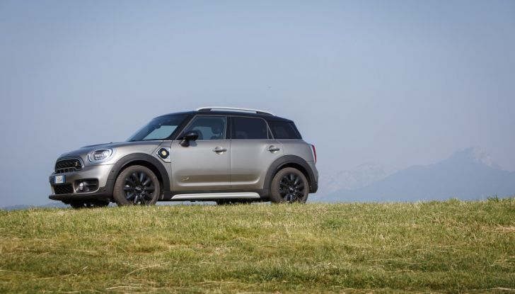 Prova su strada Mini Cooper S E Countryman All4, a voi l'ibrida Plug-In - Foto 11 di 35