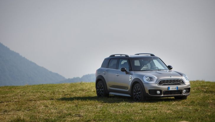 Prova su strada Mini Cooper S E Countryman All4, a voi l'ibrida Plug-In - Foto 13 di 35