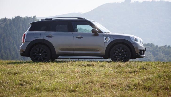 Prova su strada Mini Cooper S E Countryman All4, a voi l'ibrida Plug-In - Foto 14 di 35