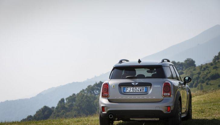 Prova su strada Mini Cooper S E Countryman All4, a voi l'ibrida Plug-In - Foto 15 di 35
