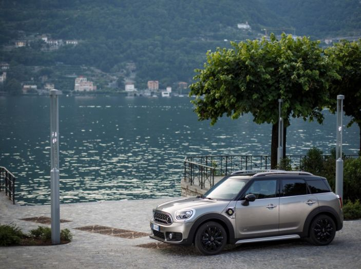 Prova su strada Mini Cooper S E Countryman All4, a voi l'ibrida Plug-In - Foto 17 di 35
