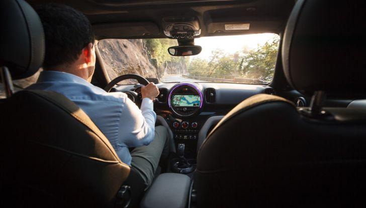 Prova su strada Mini Cooper S E Countryman All4, a voi l'ibrida Plug-In - Foto 20 di 35