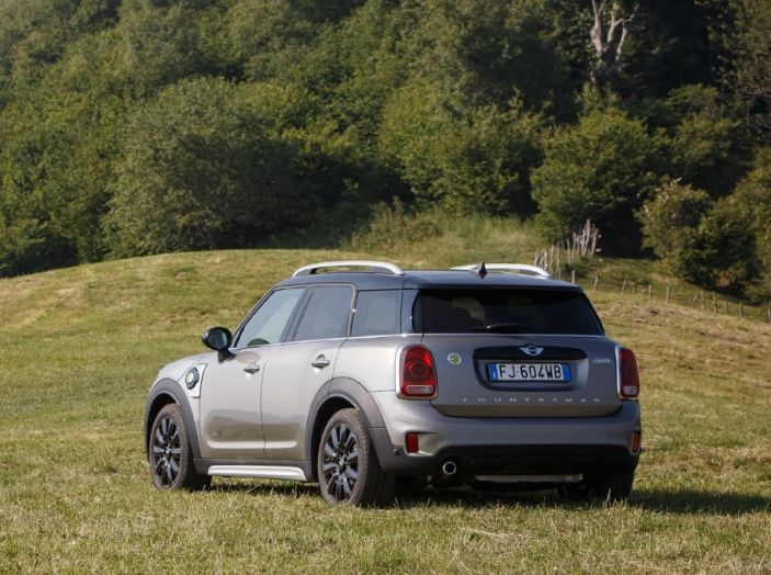 Prova su strada Mini Cooper S E Countryman All4, a voi l'ibrida Plug-In - Foto 26 di 35