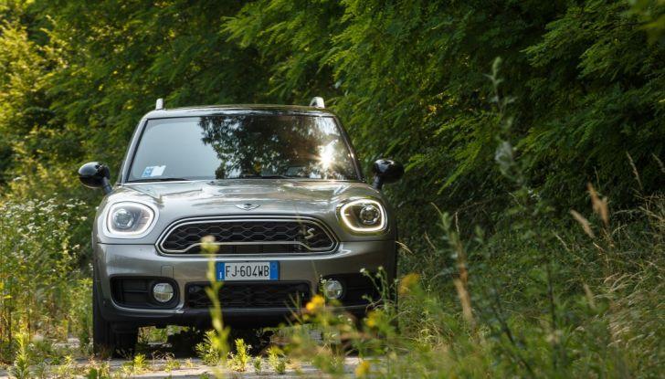 Prova su strada Mini Cooper S E Countryman All4, a voi l'ibrida Plug-In - Foto 27 di 35