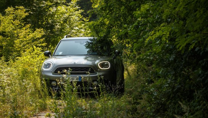 Prova su strada Mini Cooper S E Countryman All4, a voi l'ibrida Plug-In - Foto 28 di 35