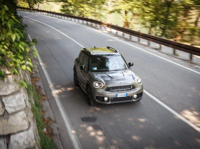 Prova su strada Mini Cooper S E Countryman All4, a voi l'ibrida Plug-In - Foto 30 di 35