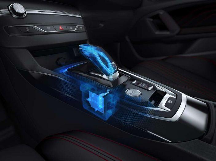 Nuova Peugeot 308: test su strada, sistemi di sicurezza, guida assistita e motorizzazioni ecologiche - Foto 6 di 20