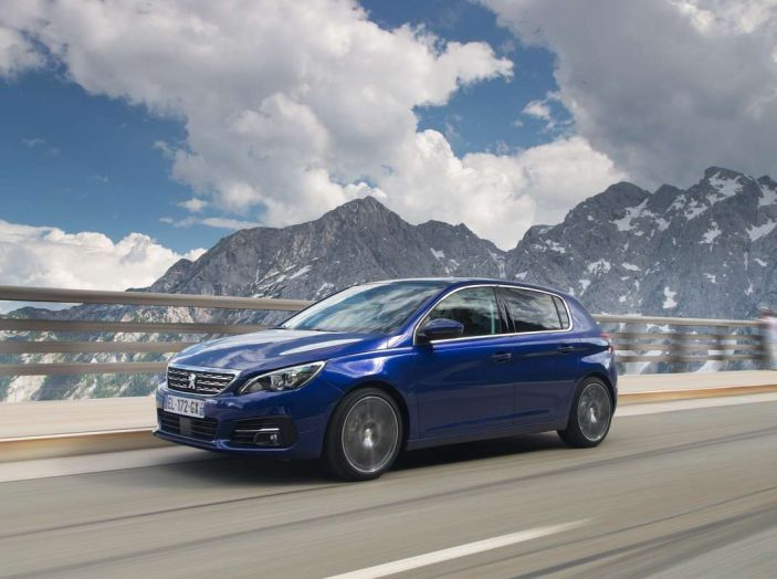 Nuova Peugeot 308: test su strada, sistemi di sicurezza, guida assistita e motorizzazioni ecologiche - Foto 16 di 20