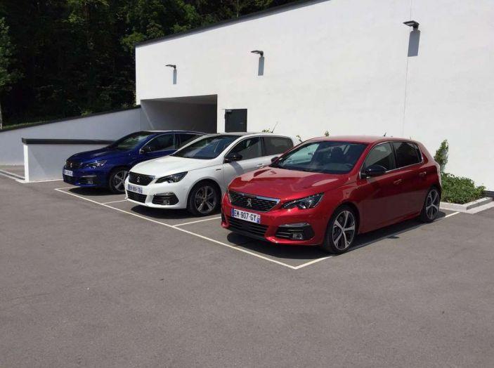 Nuova Peugeot 308: test su strada, sistemi di sicurezza, guida assistita e motorizzazioni ecologiche - Foto 19 di 20