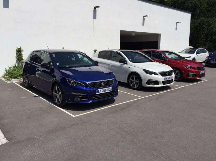 Nuova Peugeot 308: test su strada, sistemi di sicurezza, guida assistita e motorizzazioni ecologiche - Foto 7 di 20
