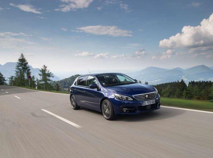 Nuova Peugeot 308: test su strada, sistemi di sicurezza, guida assistita e motorizzazioni ecologiche - Foto 9 di 20