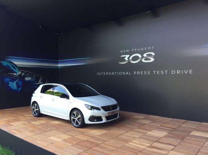 Nuova Peugeot 308: test su strada, sistemi di sicurezza, guida assistita e motorizzazioni ecologiche - Foto 20 di 20