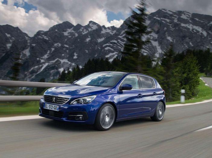 Nuova Peugeot 308: test su strada, sistemi di sicurezza, guida assistita e motorizzazioni ecologiche - Foto 11 di 20