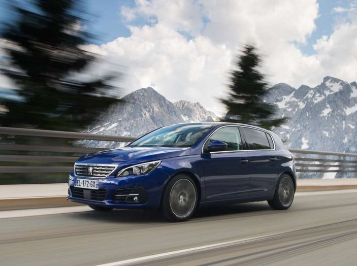 Nuova Peugeot 308: test su strada, sistemi di sicurezza, guida assistita e motorizzazioni ecologiche - Foto 12 di 20