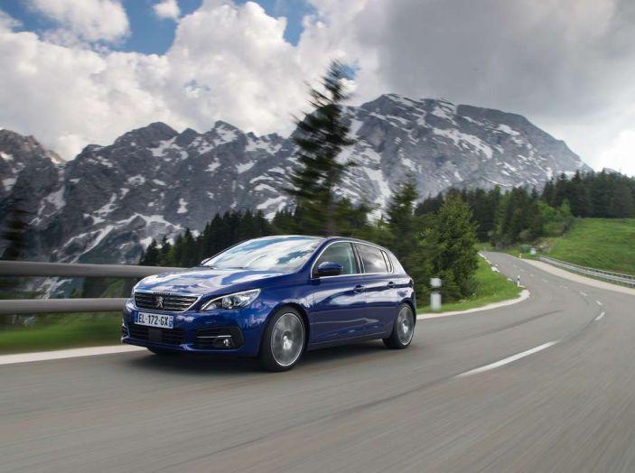 Nuova Peugeot 308: test su strada, sistemi di sicurezza, guida assistita e motorizzazioni ecologiche - Foto 13 di 20