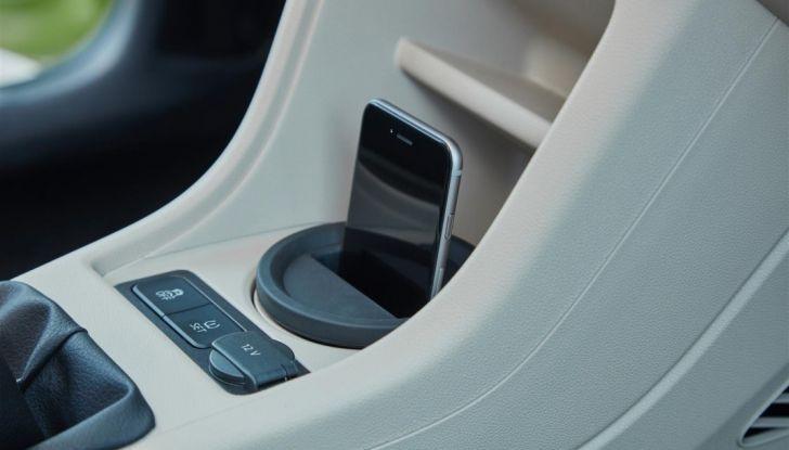 Skoda Vision iV: a Ginevra arriva l'auto elettrica del futuro - Foto 21 di 22