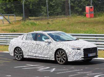 Nuova Opel Insignia OPC, primi test al Nurburgring