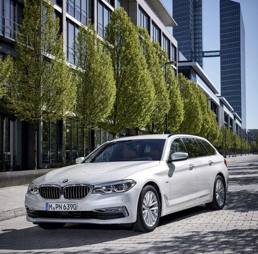 Nuova BMW Serie 5 Touring: Business Class su quattro ruote - Foto 13 di 31