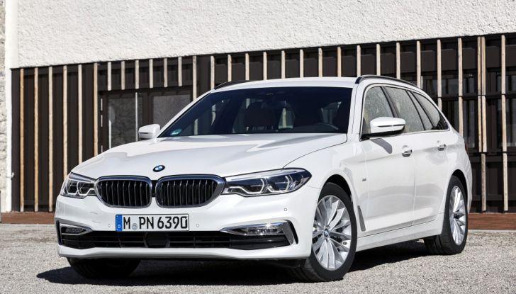 Nuova BMW Serie 5 Touring: Business Class su quattro ruote - Foto 14 di 31