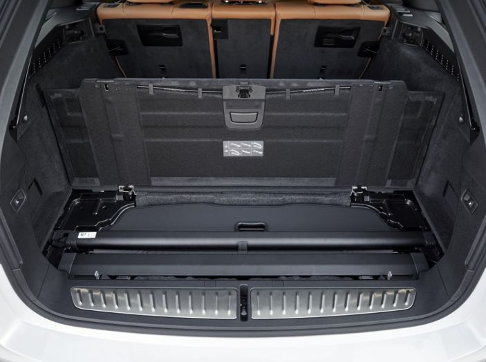 Nuova BMW Serie 5 Touring: Business Class su quattro ruote - Foto 6 di 31