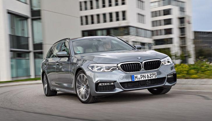 Nuova BMW Serie 5 Touring: Business Class su quattro ruote - Foto 1 di 31