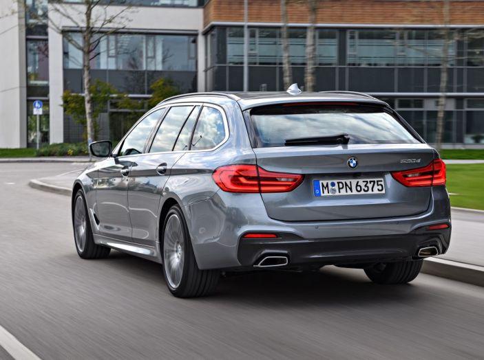 Nuova BMW Serie 5 Touring: Business Class su quattro ruote - Foto 8 di 31