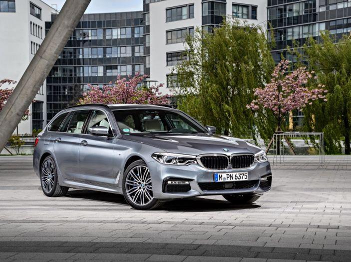 Nuova BMW Serie 5 Touring: Business Class su quattro ruote - Foto 10 di 31