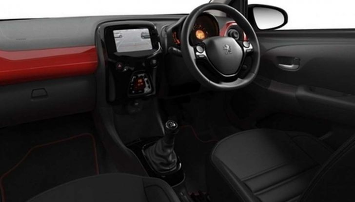 Peugeot 108 GT Line, allestimento sportivo per la citycar francese - Foto 5 di 10