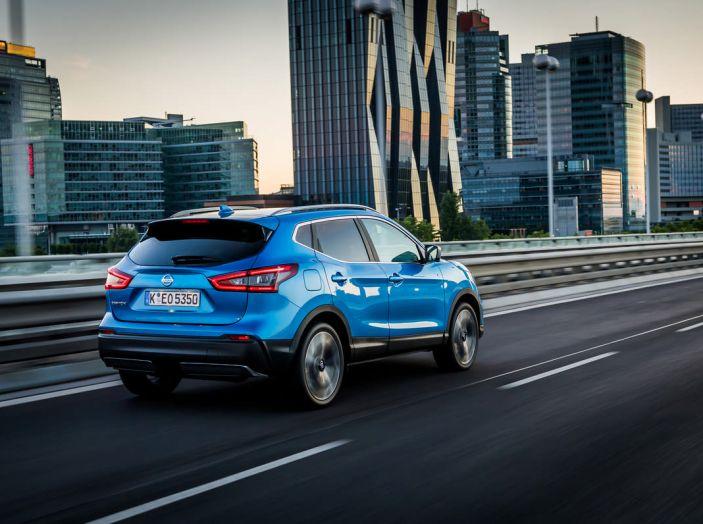 Nissan Qashqai in promozione da 19.250 Euro con formula Intelligent Bonus - Foto 5 di 46