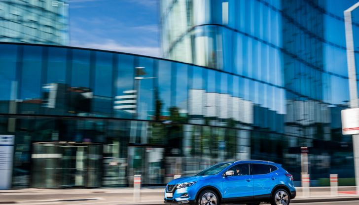 Nissan Qashqai in promozione da 19.250 Euro con formula Intelligent Bonus - Foto 8 di 46